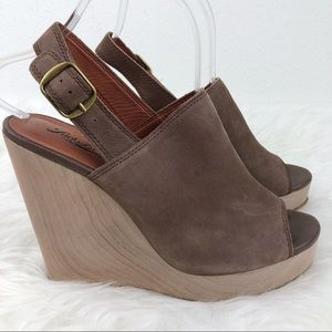 LUCKY BRAND Ronand Taupe Platform Wedge Sandal 8